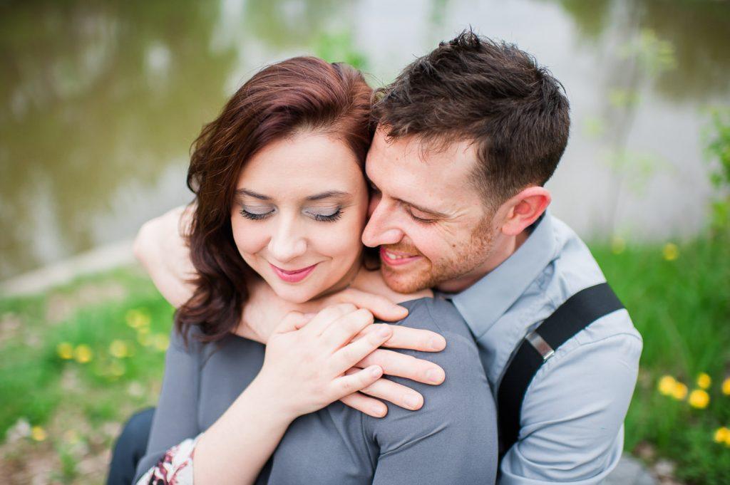 couple amoureux printemps pissenlit