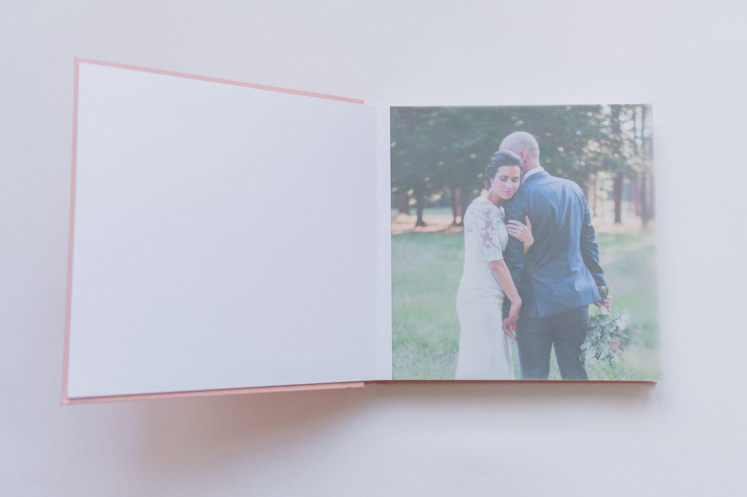 page-papier-velum-album-mariage-Nadine-Gregoire-Photographe